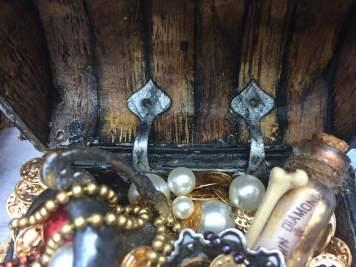 Pirate's treasure chest (8)